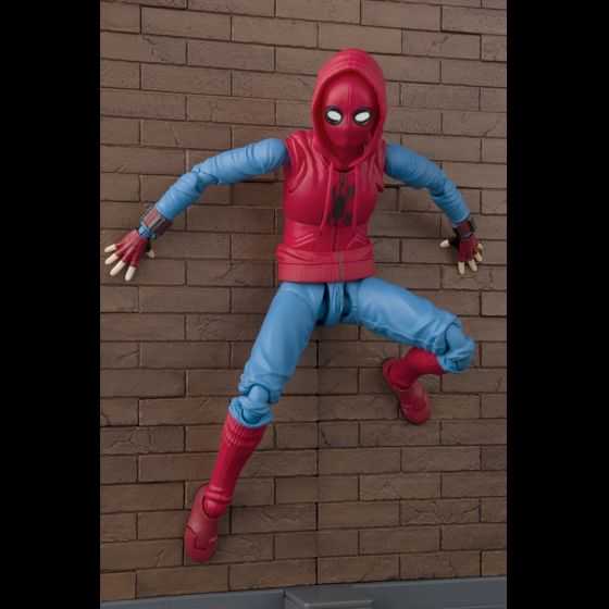 Spider-Man Home Suit + Wall...
