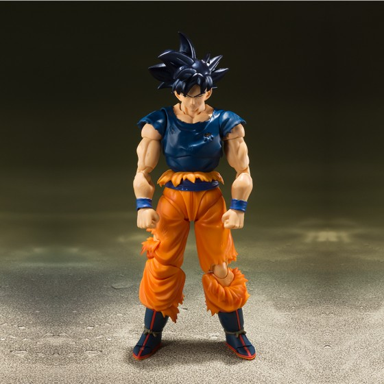 "Pack Event Exclusives : Son Goku Ultra Instinct ""Sign"" + Super Saiyan Broly"