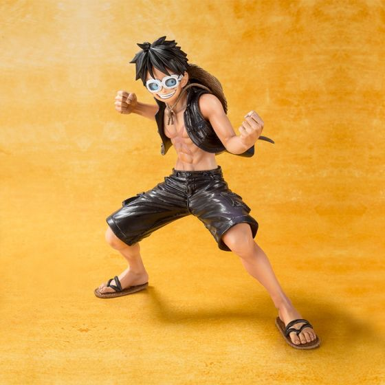 Damaged box : One Piece Gold - Monkey D. Luffy - Figuarts Zero
