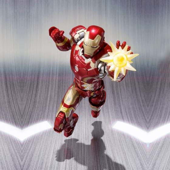 Reconditioned Box : Avengers Age of Ultron Iron Man Mark 43 - S.H.Figuarts